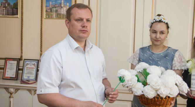 Глава муниципального образования призвал керчан принять участие в акции «Белый цветок»