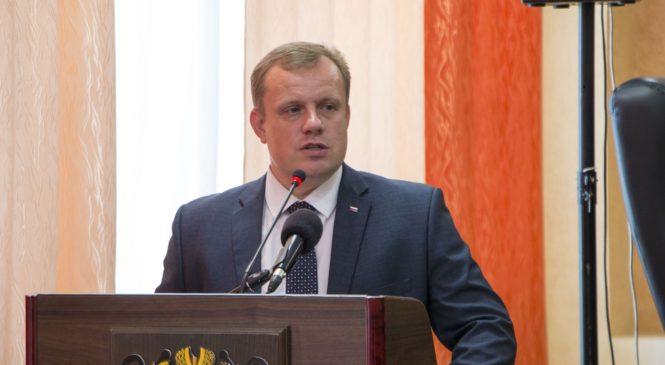 Николай Гусаков поздравил медработников с профессиональным праздником