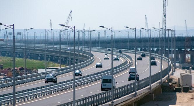 С момента открытия движения по Крымскому мосту проехали более 1 млн автомобилей