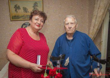 Ольга Солодилова поздравила керченских ветеранов, участвовавших в Курской битве