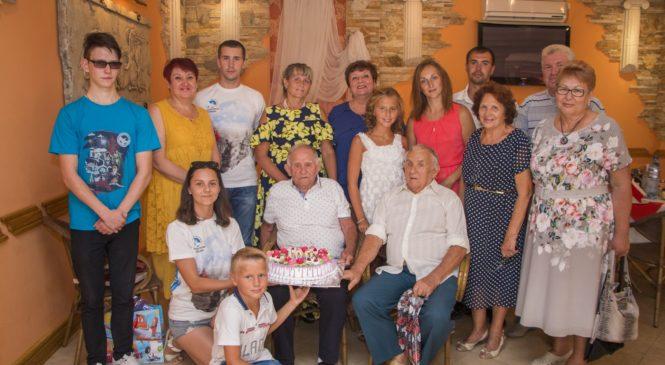 Керчанин Андрей Андреевич Чичеров отметил 100-летний юбилей