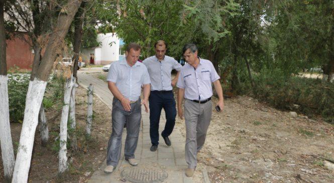 На территории городской больницы заменят канализационный коллектор