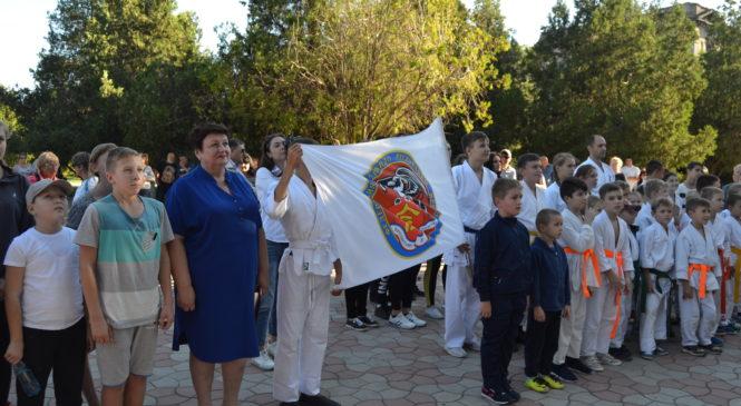 Участники эстафеты «Бег Мира» финишировали сегодня в Керчи