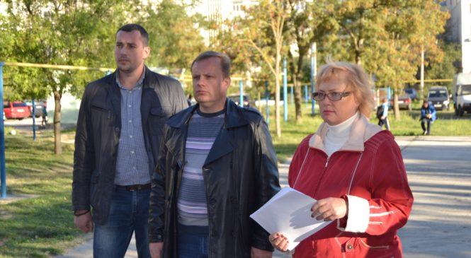 Глава муниципального образования провел сход граждан по улице Ворошилова, 27