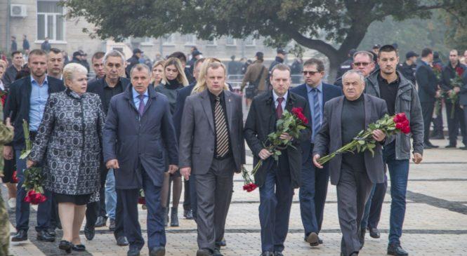 В Керчи попрощались с погибшими в политехническом колледже
