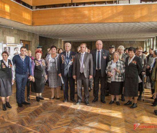В Керчи открылась интерактивная выставка «Крымчане — Герои Победы»