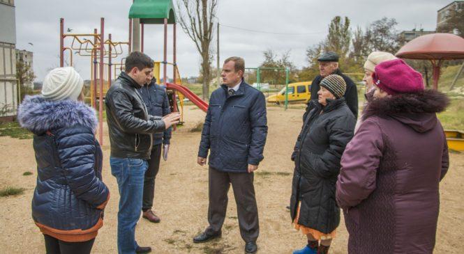 Глава муниципального образования провел выездное совещание по проблемам района Семь ветров