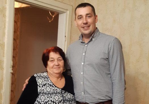 Депутат городского совета поздравил избирателей с Международным днем инвалидов
