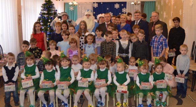 Глава муниципального образования поздравил воспитанников интерната с Днем святого Николая