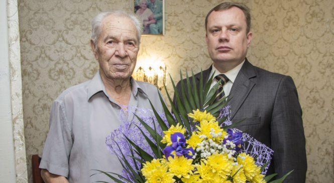 Сегодня 90-летний юбилей отметил ветеран Евгений Григорьевич Ветров