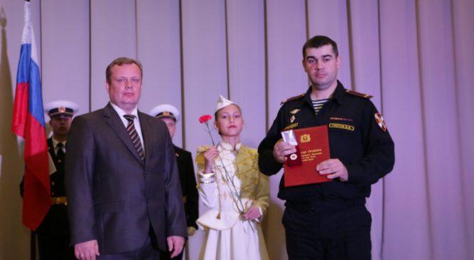 Николай ГУСАКОВ поздравил сотрудников Национальной гвардии с профессиональным праздником