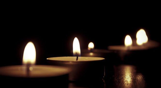 В Керчи прошло прощание с погибшими в авиакатастрофе Евгением и Софьей НОВИКОВЫМИ