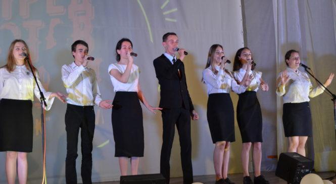 В политехническом колледже прошел концерт актерской песни из Екатеринбурга