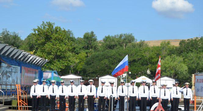 В Керчи отметили день Военно-морского флота России