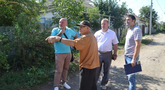 Николай ГУСАКОВ выехал по обращению граждан на ул. Львова