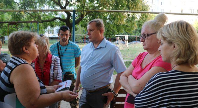 Николай ГУСАКОВ провел встречу с керчанами в крупном спальном районе города