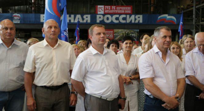 Владимир КОНСТАНТИНОВ и Николай ГУСАКОВ побеседовали с работниками КМЗ