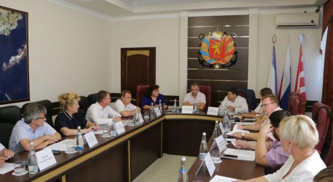 В Керчи состоялся «круглый стол» по вопросам здравоохранения с участием депутатов Госсовета РК