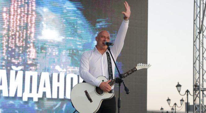 В Керчи выступят Илья РЕЗНИК и Денис МАЙДАНОВ