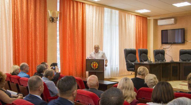 Депутаты Керченского городского совета II созыва получили удостоверения
