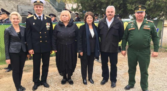 Мая ХУЖИНА приняла участие в церемонии закрытия Вахты Памяти в крепости «Керчь»