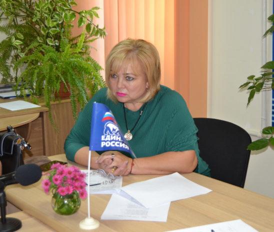 Глава муниципального образования провела прием граждан в общественной приемной Владимира КОНСТАНТИНОВА