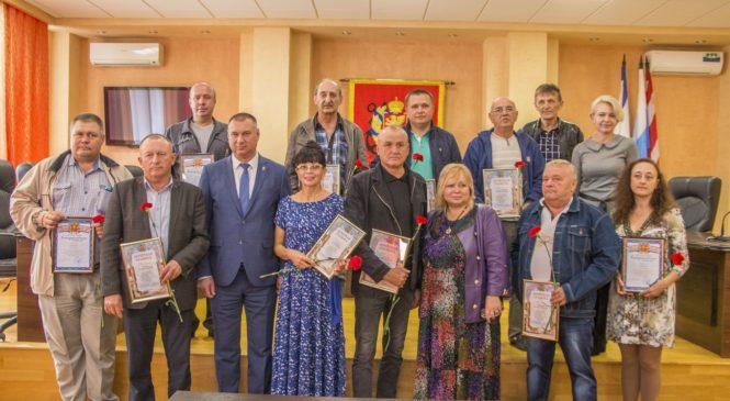 Глава муниципального образования поздравила керчан с Днем автомобилиста