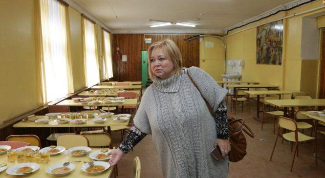 Мая ХУЖИНА посетила образовательные учреждения города