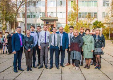 В Керчи стартовала благотворительная акция по озеленению территорий общеобразовательных школ города
