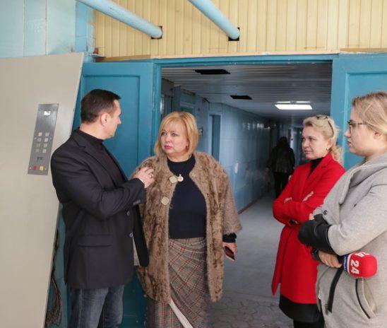 Глава муниципального образования проверила ход работ по обновлению горбольницы №1
