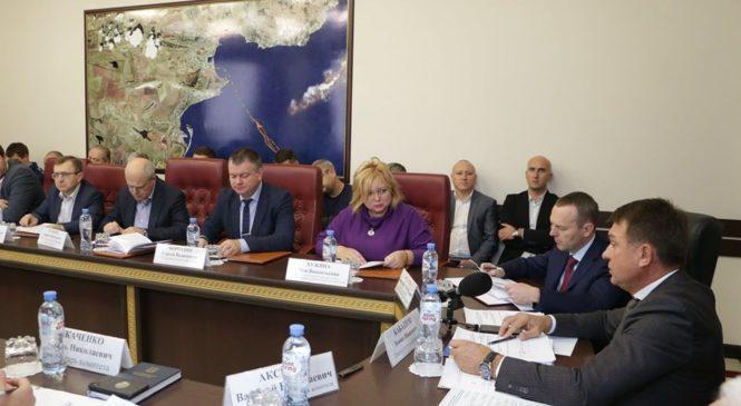 В Керчи прошло выездное заседание Комитета Госсовета РК по строительству, транспорту и топливно-энергетическому комплексу