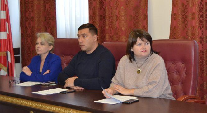 В Керчи прошло очередное заседание  комиссии по проведению конкурсов или аукционов на право заключения договоров аренды