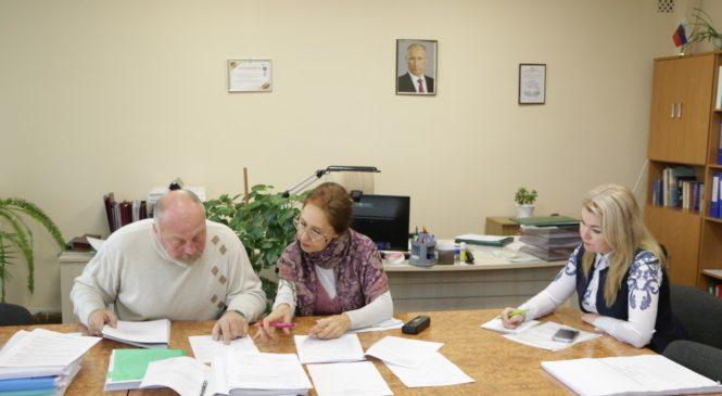 В преддверии очередной сессии в городском совете проходят заседания постоянных депутатских комиссий