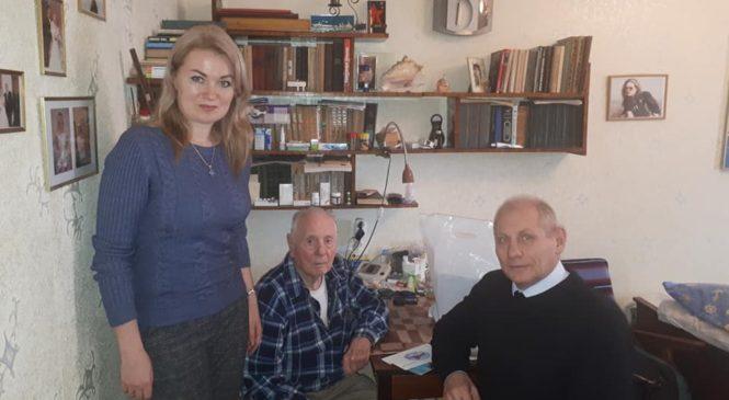 В преддверии Нового года депутаты поздравляют ветеранов