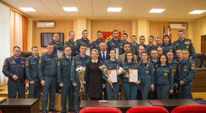 В горсовете чествовали керченских спасателей