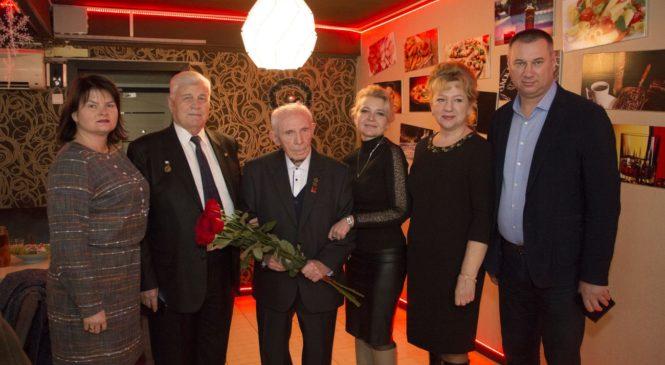 Ветеран войны Рэм ЗОЛОТЫХ празднует 90-летие
