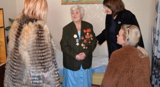 Мая ХУЖИНА провела выездное поздравление ветеранов-фронтовиков