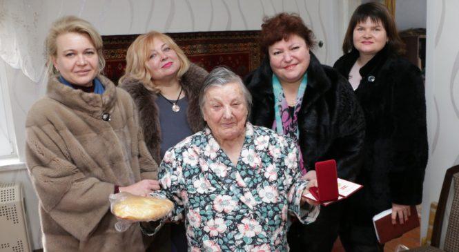 Глава муниципального образования побывала в гостях у 11 блокадников, проживающих в Керчи