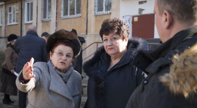 Проблемы работы рынка на ул. Горького обсудили на выездном совещании