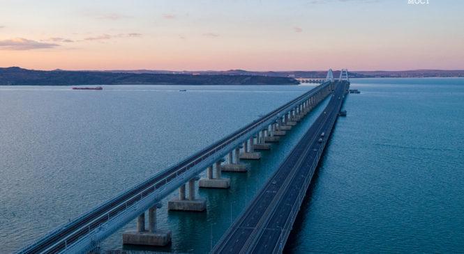 Более одного миллиона грузовиков проехало по Крымскому мосту