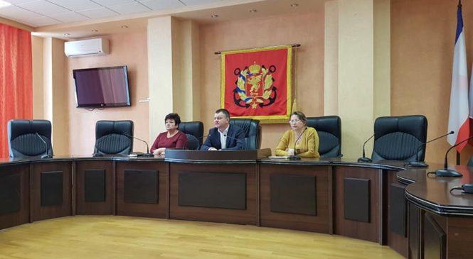 В Керчи постоянно мониторится ситуация по противодействию коронавирусной инфекции