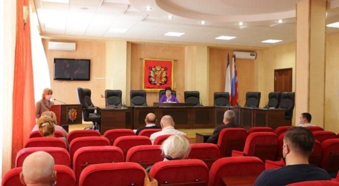 На 22-й сессии горсовета решён вопрос с обеспечением сухими пайками школьников льготных категорий