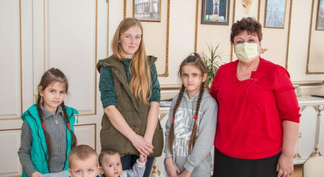 Депутаты Госдумы России и Госсовета Крыма поддерживают керчан, попавших в трудную жизненную ситуацию