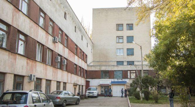 В Керченской больнице №1 продолжает действовать ограничительный режим посещений