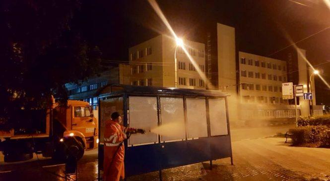 В Керчи приступили к дезинфекции остановок и дорог