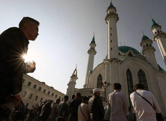 Мусульмане праздную начало священного праздника Ураза-байрам
