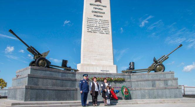 Депутаты Госсовета Крыма и Керченского городского совета почтили память павших в ВОВ