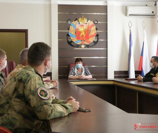 Ольга СОЛОДИЛОВА провела встречу с поисковиками