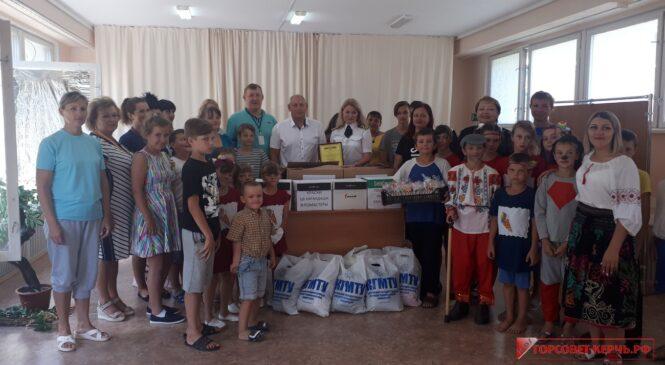 Депутаты горсовета приняли участие в акции «Собери ребёнка в школу»