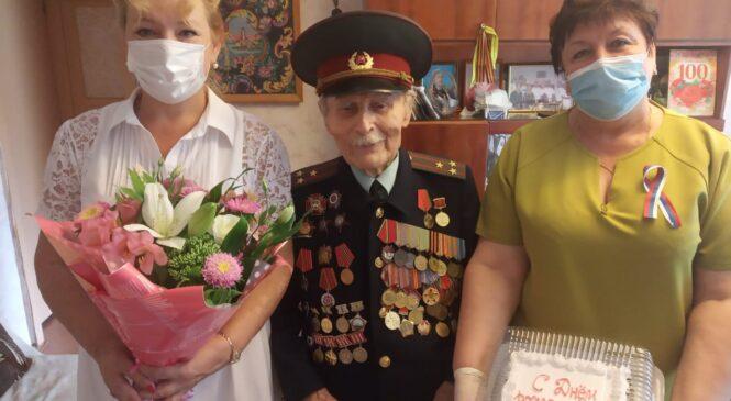 Фронтовик Михаил КОЛЬЧЕНКО отмечает 101 год со дня рождения